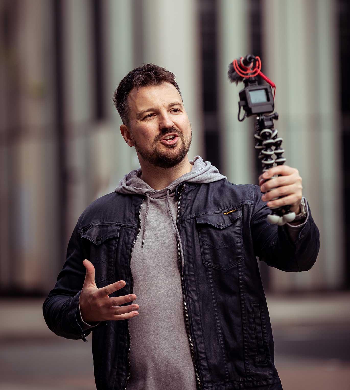 Mark Asquith Vlogging (Podcast Blogger)